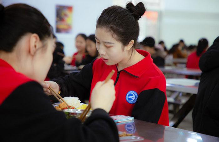 长沙铁航职业中等技术学校食堂